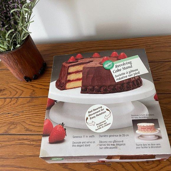NWT Wilton Revolving Cake Stand